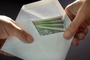 Pożyczka z parabanku czy od znajomych?